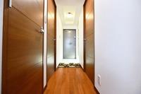 落ち着いた雰囲気の廊下です♪